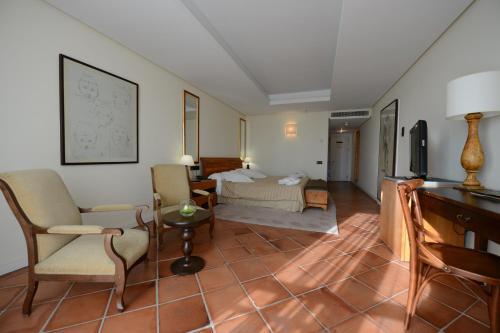 Family Room (2 Adults + 2 Children) Hotel Cigarral el Bosque 15