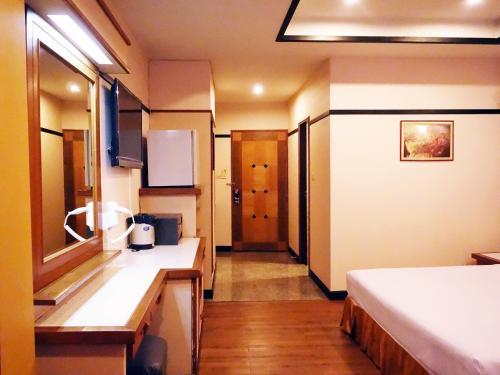 Bavana Hotel photo 10