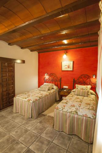 Standard Twin Room - single occupancy Hotel Rural Masía la Mota 6