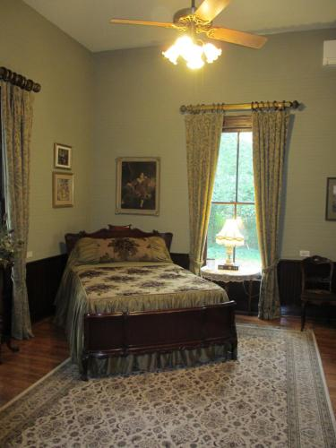 Adair Manor Bed & Breakfast