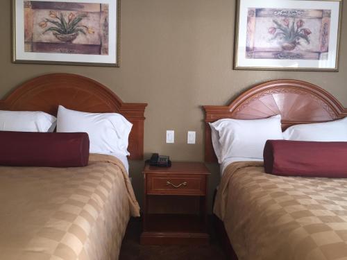 Thunderbird Lodge - Riverside, CA 92507