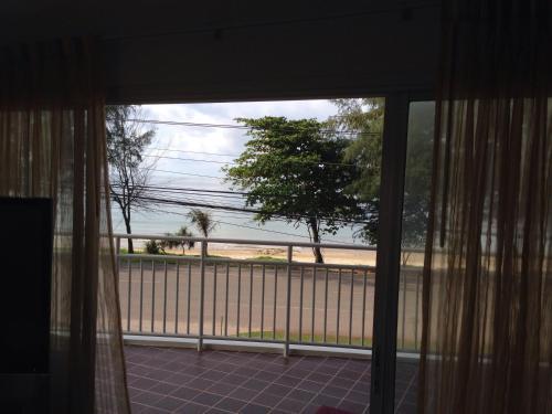 Mae Phim Beach Ocean Condo
