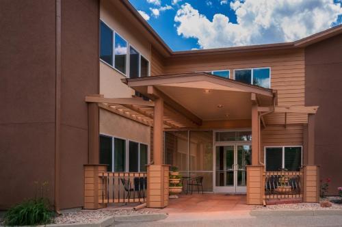Photo - Boulder Twin Lakes Inn