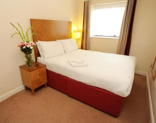 Picture of PREMIER SUITES Bristol Redcliffe