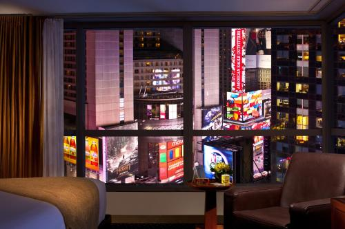 One-Bedroom King Suite - Time Square View