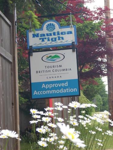 At Nautica Tigh private keypad entrances - Accommodation - Qualicum Beach