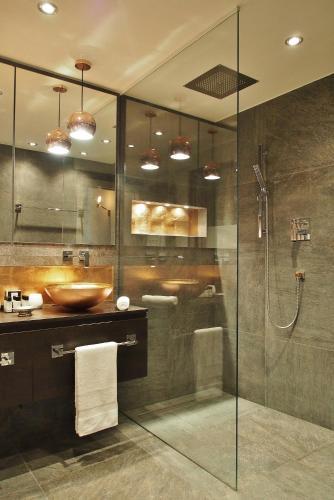 Фото отеля Chez Cliche Serviced Apartments - Sterngasse