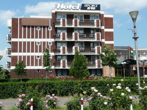 . Hotel Sport B90