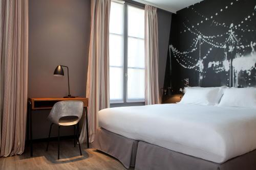 12 Rue de Charonne, 75011 Paris, France.