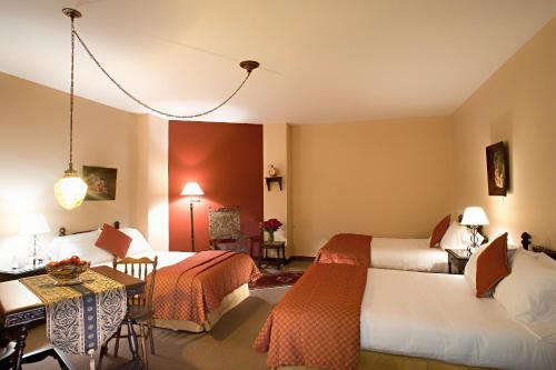 Hotel Dann Monasterio salas fotos