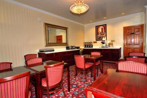 Executive Inn Morgan Hill - Morgan Hill, CA 95037
