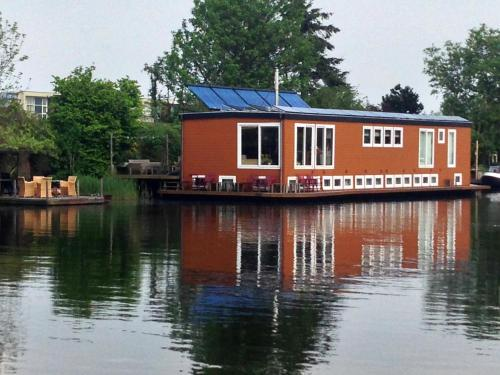B&B Houseboat between Amsterdam Windmills photo 70