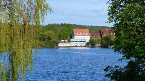 . Restaurant und Hotel Zum Weissen Ross