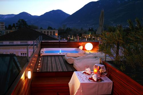 Loft Suite with Hot Tub