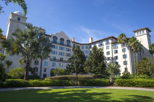 5800 Universal Boulevard, Orlando, Florida 32819, United States.