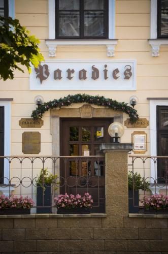 . Hotel Paradies