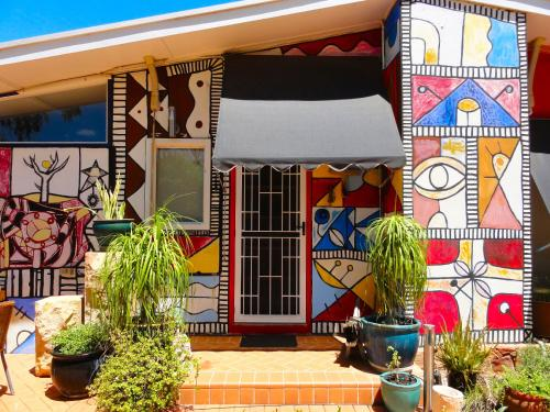 18 Knuckey Ave, Braitling, Alice Springs, Northern Territory, Australia.