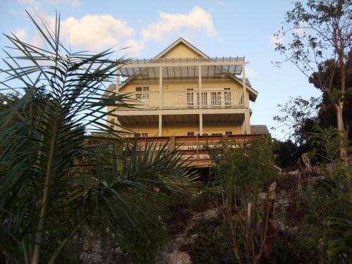 Island Seaside Suites