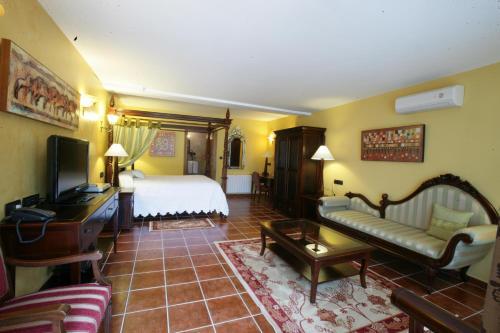 Royal Suite Hôtel & Spa Etxegana, The Originals Relais (Relais du Silence) 2