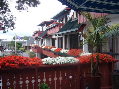 . Swiss Chalet Lodge Motel