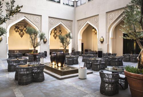 Burj Dubai Boulevard, The Old Town, Burj Dubai, United Arab Emirates.