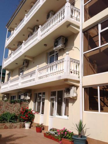 Фото отеля Albertino Udacha Guest House