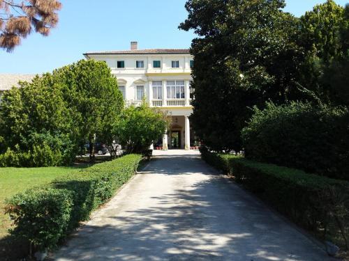 . Villa Carrer
