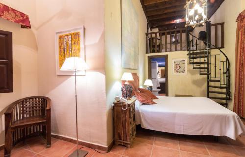 Familienzimmer (2 Erwachsene + 2 Kinder) Palacio de Santa Inés 4