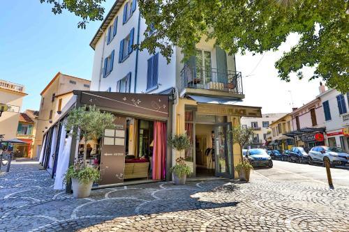 La Place - Hôtel - Antibes