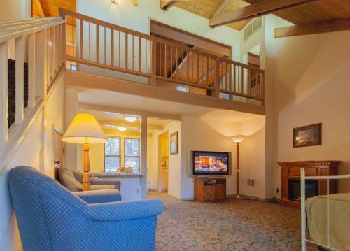 Northern Queen Inn - Hotel - Nevada City