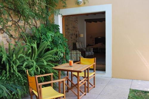 Junior Suite - single occupancy Hotel Ca'n Moragues 1