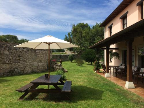 . Hotel Rural El Texeu
