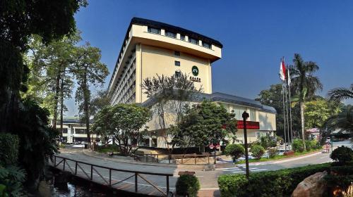 . Guangdong Yingbin Hotel