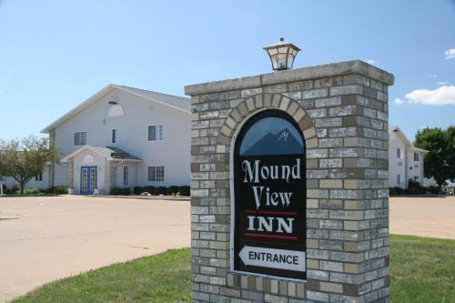 . Cobblestone Inn & Suites – Platteville
