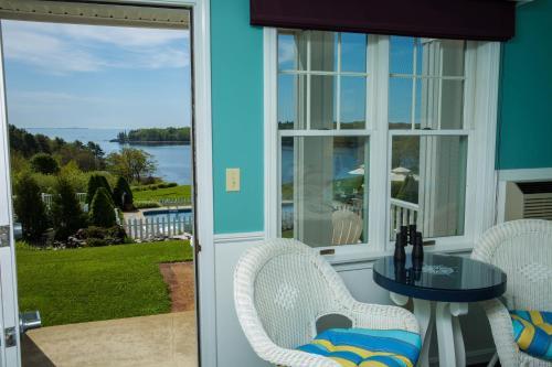 Strawberry Hill Seaside Inn - Rockport, ME 04856