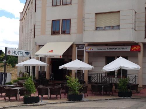 . Hotel Puente Romano