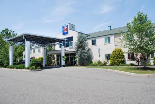 Motel 6 Pottstown - Pottstown, PA 19464