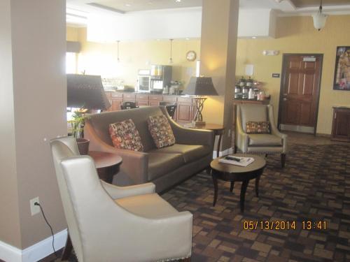 Astoria Hotel & Suites Glendiv - Glendive, MT 59330