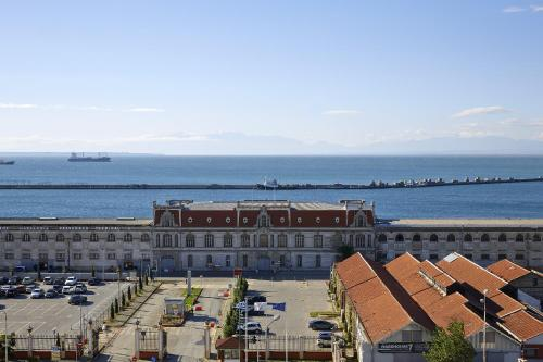 3 Salaminos str, Thessaloniki 54626, Greece.