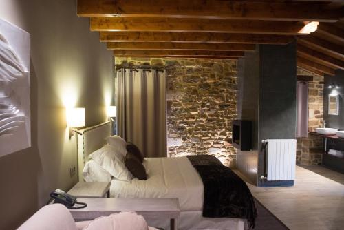 King Suite with Spa Bath - single occupancy Osabarena Hotela 16