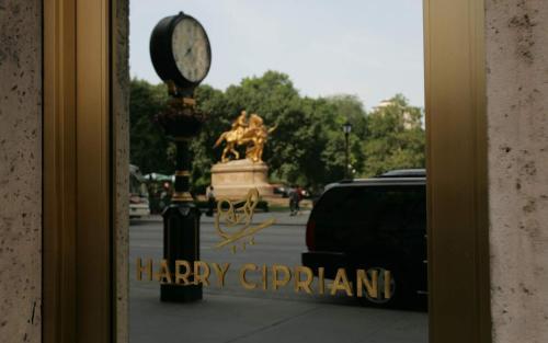 781 5th Avenue, New York 10022, United States.