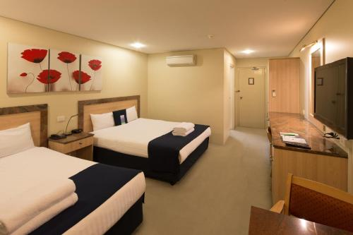 Kamar Queen Superior (Superior Queen Room)