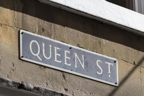 8-10 Queen St, Bath, BA1 1HE, England.