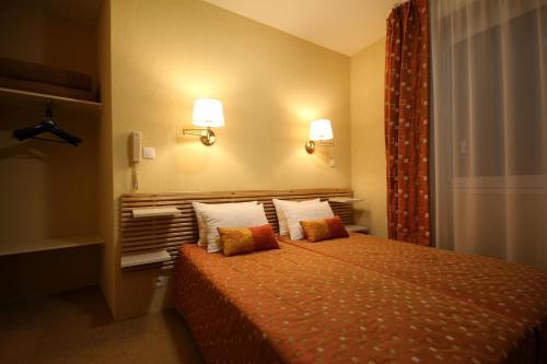 Hôtel Atlantic - Hôtel - Lourdes