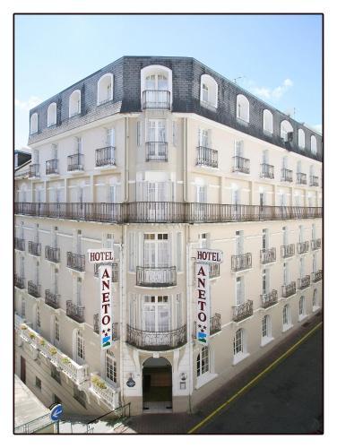 Hôtel Aneto - Hôtel - Lourdes
