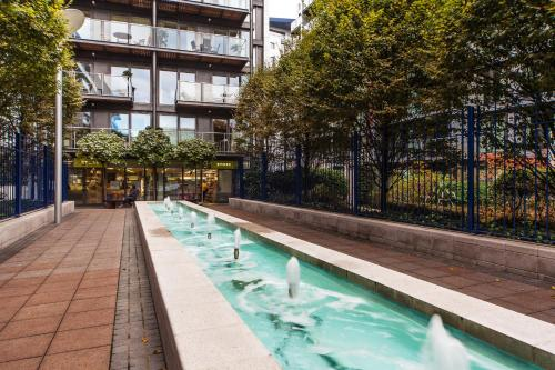 Riverside Apartment - image 3