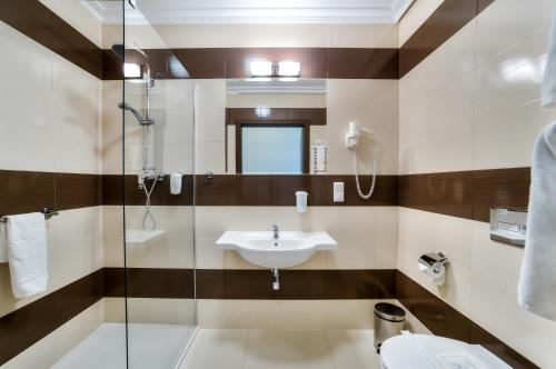 Lux Double Room with Shower