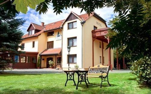 Garni-Hotel Kranich (B&B)