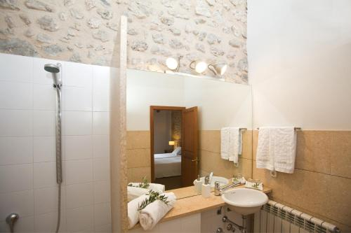 Standard Double or Twin Room Hotel Ca'n Moragues 10