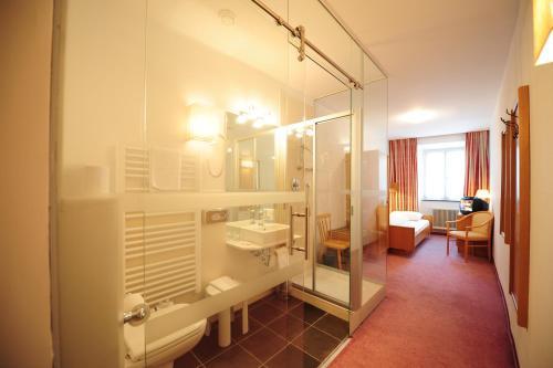 Фото отеля Hotel Krone